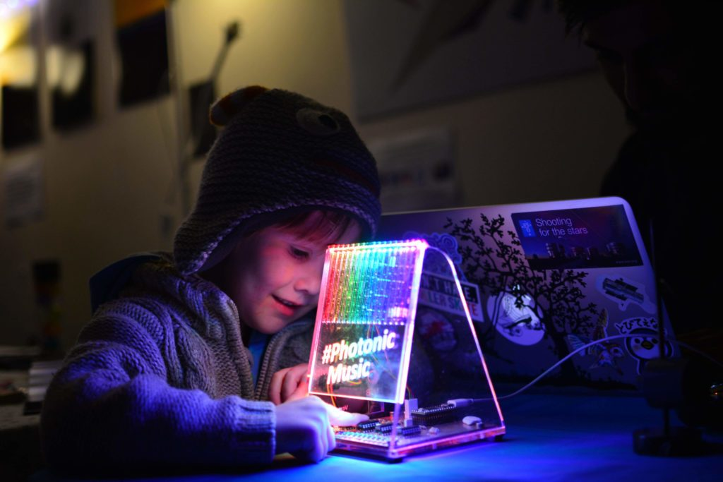 Inspiring the next generation of photonics researchers and engineers